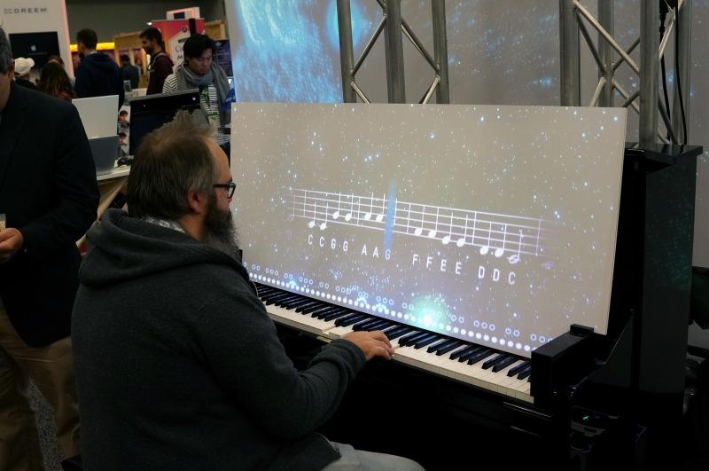 AIと一緒に弾いているところ