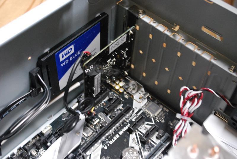 本製品のThunderbolt 3は、拡張カードで提供