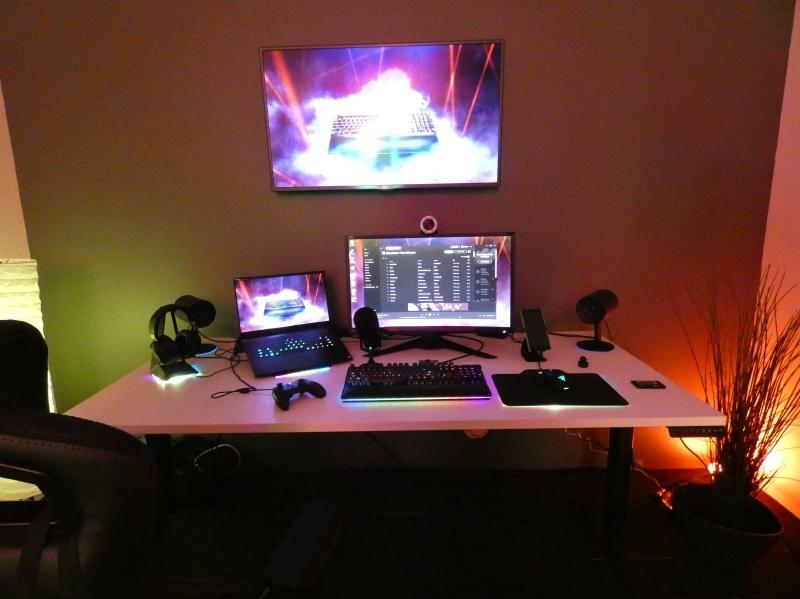 RazerのRGB LEDコントロール機能「Chroma」では、Blutooth対応のHueなどと連携して、部屋の明かりの色もコントロールできる