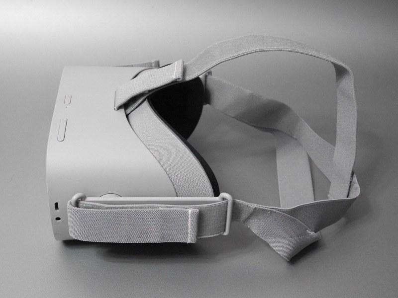 本体と接顔パーツの二層構造になっている。接顔パーツはオプションと交換が可能