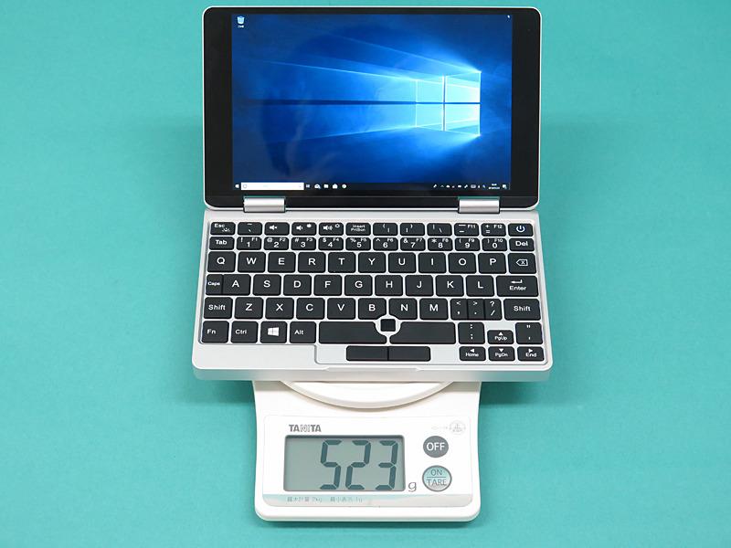本体の重量は523gで、GPD Pocketの実測値から23g増だ