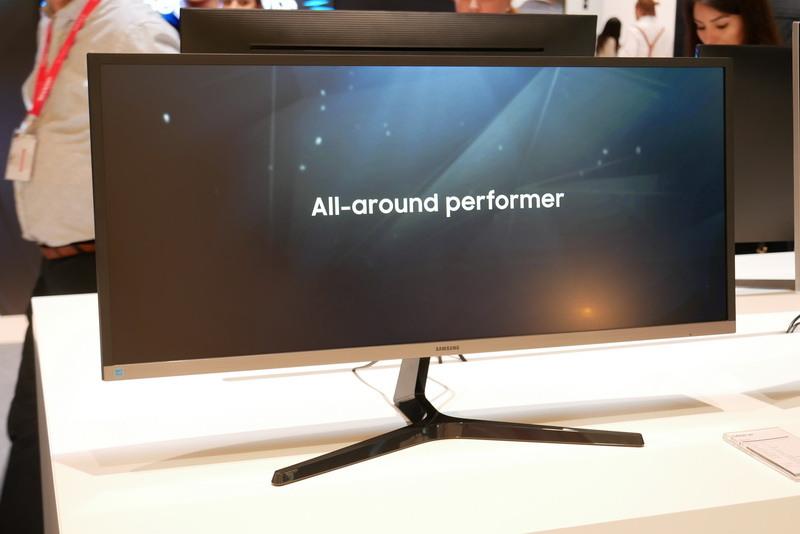 3,440×1,440ドット表示対応の21:9ウルトラワイド液晶新製品「S34J55W」