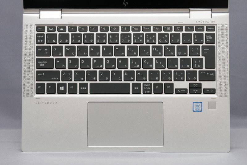 アイソレーションタイプのキーボードは、従来モデルとほぼ同じ仕様で、配列も標準的だ