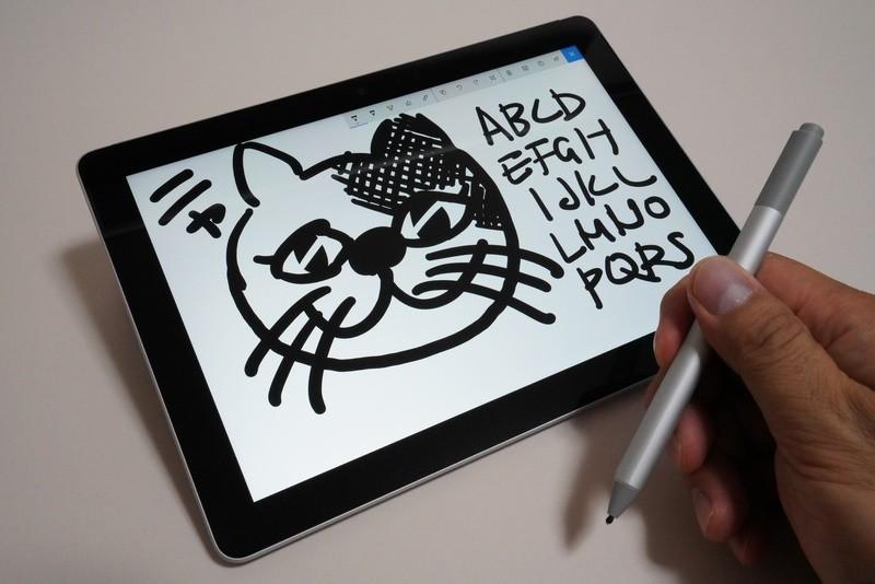 Surfaceペンに標準で装着されているHB相当のペン先は、適度な摩擦感でアナログ筆記具のような書き味を得られる
