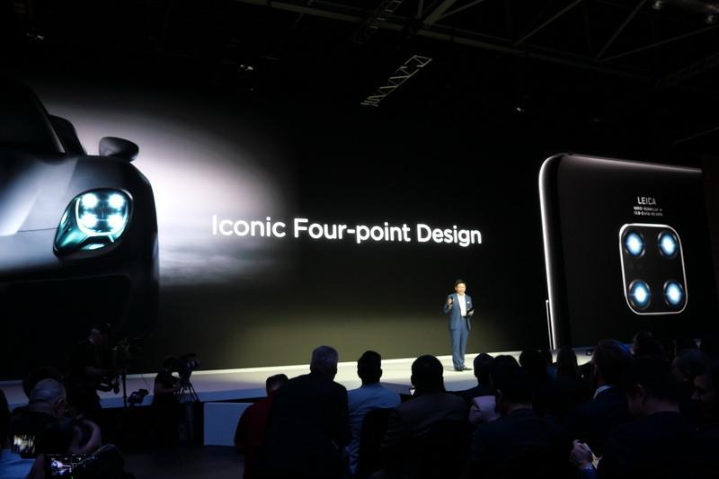 4個の円が四角にならぶメインカメラ「Four-point Desing」は、スポーツカーのヘッドライトからインスピレーションを得てデザインされた