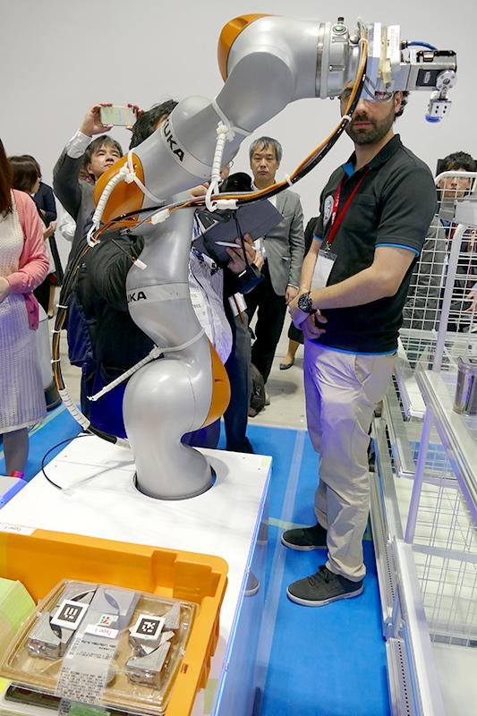 WRS「FCSC」に出場した「NAIST-RITS-Panasonic」のロボット