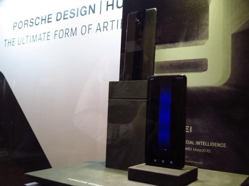 ポルシェとコラボデザインの「Mate 20 Pro RS」も展示された