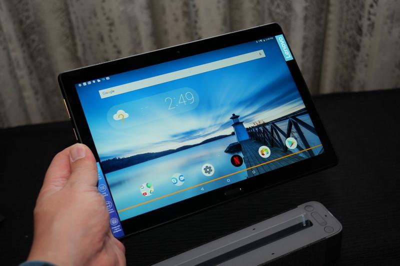 単体では通常のAndroidタブレットとして利用できる