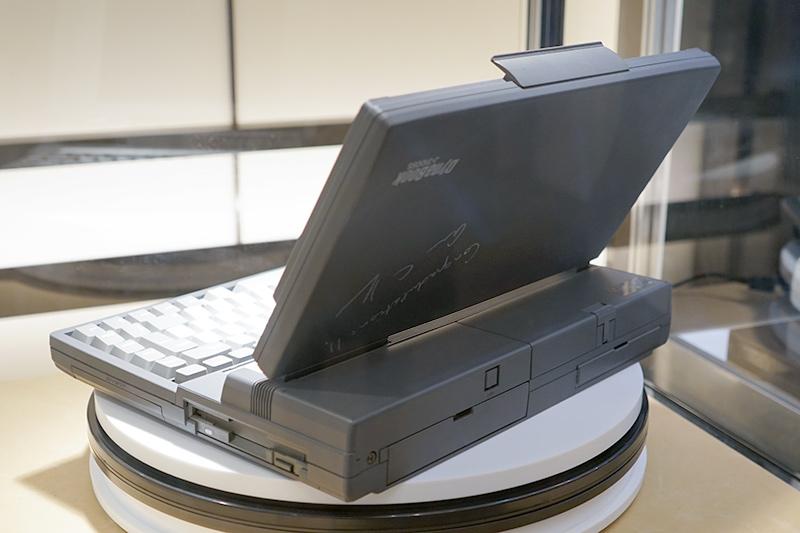 dynabookブランドの始まりとなった「Dynabook J-3100 SS001」