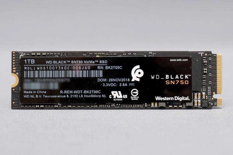 WD Black SN750は、従来モデル同様に独自コントローラとTLC仕様の64層3D NANDを採用する