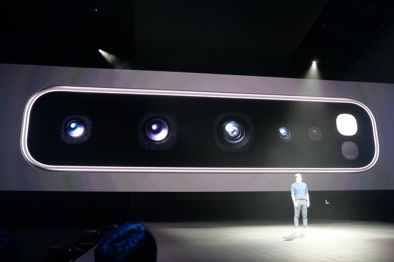 背面カメラ、前面カメラともに3D Depthカメラを搭載する