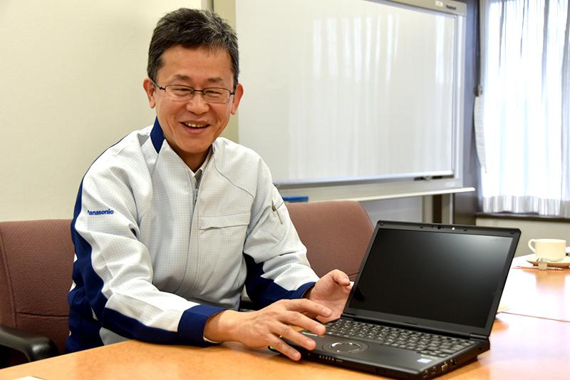 リーダーの白神和弘氏(開発センタープロジェクトマネジメント部プロジェクトマネジメント課主幹技師)