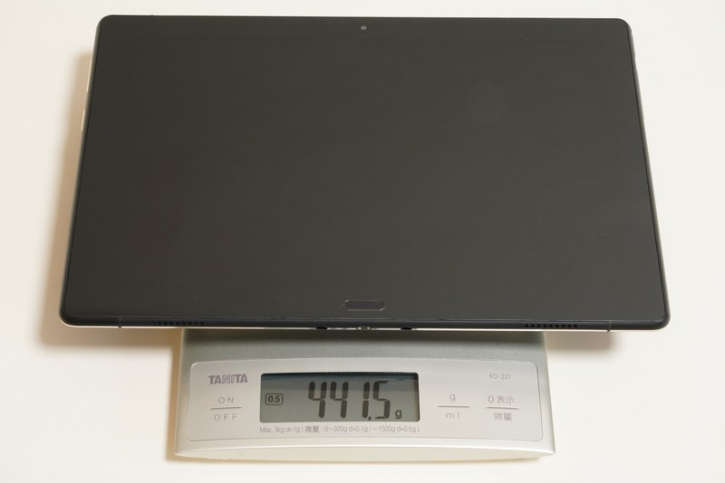 Smart Tab P10本体の実測重量は約441.5g