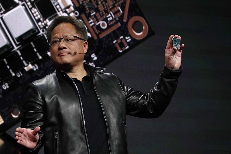 Jetson Nanoを掲げたJensen Huang(ジェンセン・フアン)氏(Founder and CEO, NVIDIA)