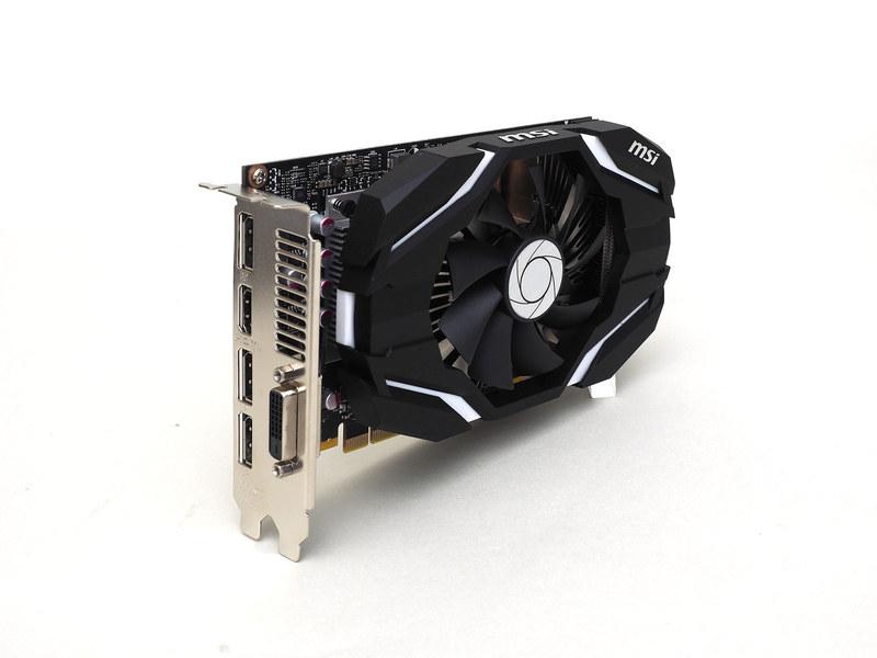 ビデオカードはGeForce GTX 1060(3GB)。シングルファンだが大口径ファンを採用しており動作音はまずまず静かだ