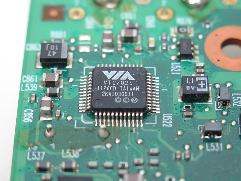 オーディオコーデックは「VT1702S」。24bit/192kHzの再生が可能だが、Windows XP以降のみサポートされている