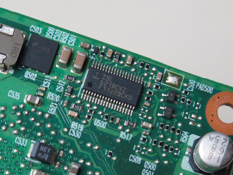 ルネサス テクノロジーの「ISL6218」はシンクルフェーズバルクPWMコントローラだ。Intelのモバイル向け電圧ポジショニングであるIMVP-IVおよびIMVP-IV+に対応している