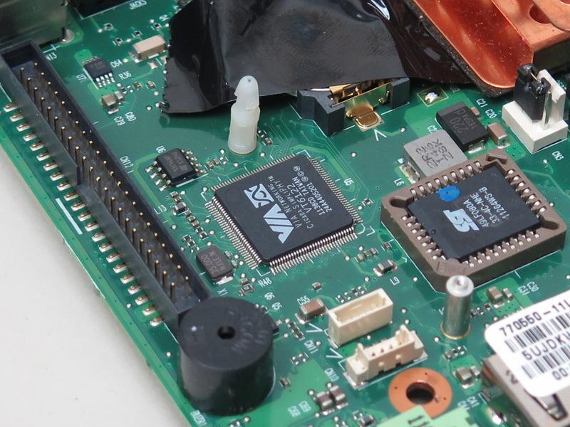 ネットワークコントローラはVIAの「VT6122」
