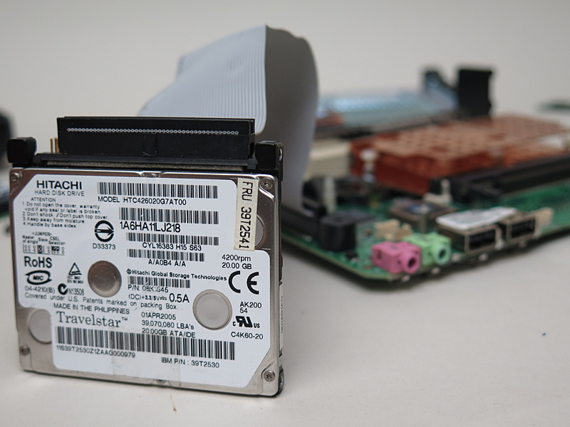 44ピンのIDEケーブルが手に入れば、2.5インチIDE HDDや1.8インチIDE HDDを接続できる