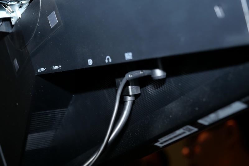 映像入力はHDMI×2とDisplayPortを用意
