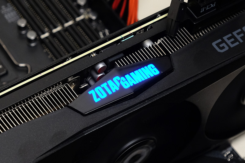 ZOTAC GAMINGロゴは通電時に点灯する仕様