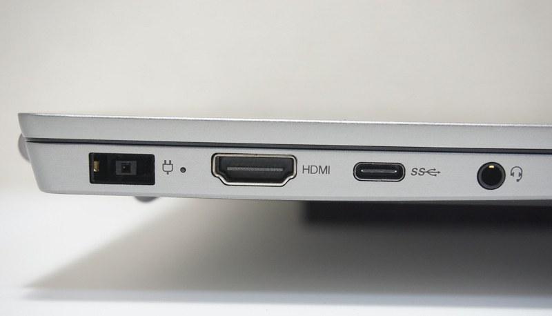 左側面には電源端子、HDMI、Type-CのUSB 3.0ポート、ヘッドフォン端子を装備する