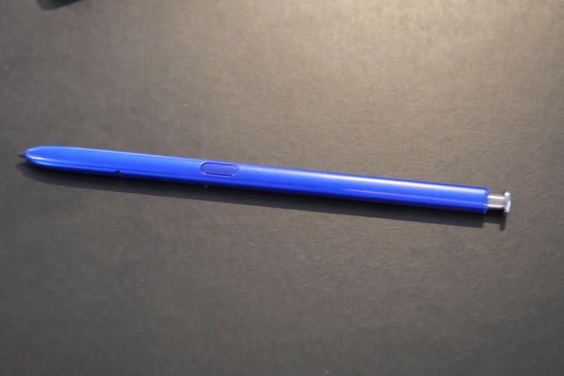 S Penの仕様はGalaxy Note 10+と同じで、こちらもジャイロセンサーを内蔵しジェスチャー操作に対応