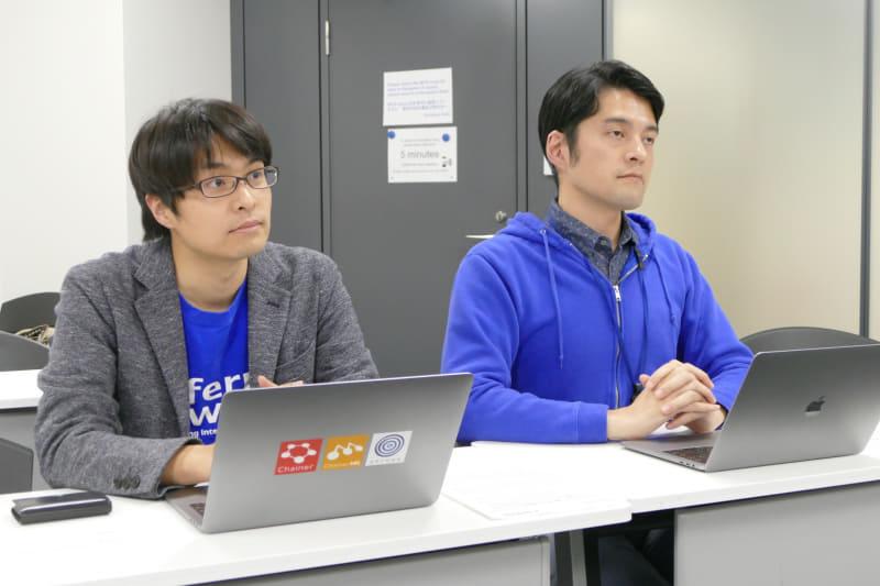 秋葉拓哉氏(左)と比戸将平氏(右)
