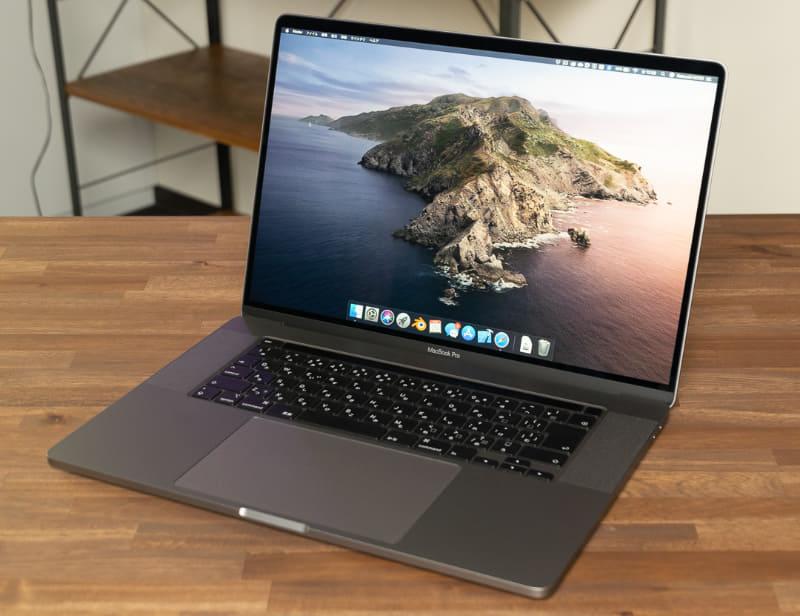 第5世代MacBook Proと呼ぶに相応しい大幅なモデルチェンジが施された「MacBook Pro 16インチモデル」。5月に第9世代Coreプロセッサーを搭載したモデルが登場し、半年もたたないうちのモデルチェンジとなった