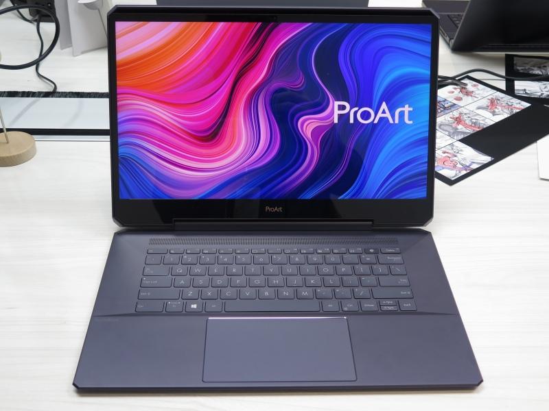 業務用で実用的なProArt StudioBook One