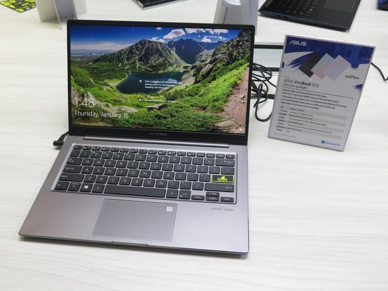 13.3型のVivoBook S13。このモデルのみIce Lakeとなっている