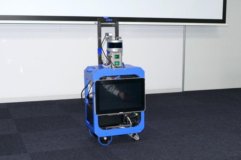 AIスーツケース。LiDARやデプスカメラなどを搭載