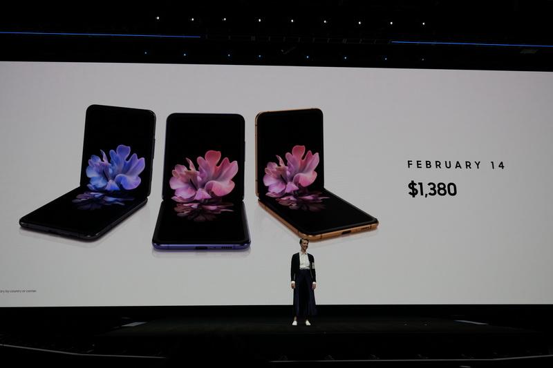 北米では2月14日より発売となり、価格は1,380ドルとなる