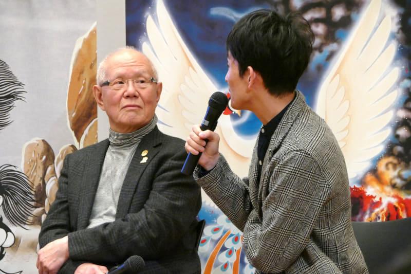 ちばてつや氏(左)と矢部太郎氏(右)