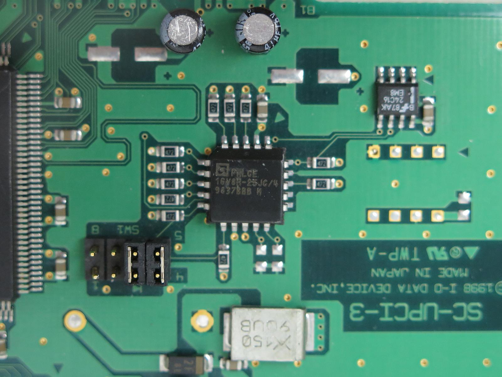 AMDのEE CMOS「PALCE16V8」(写真はSC-UPCI-3より)