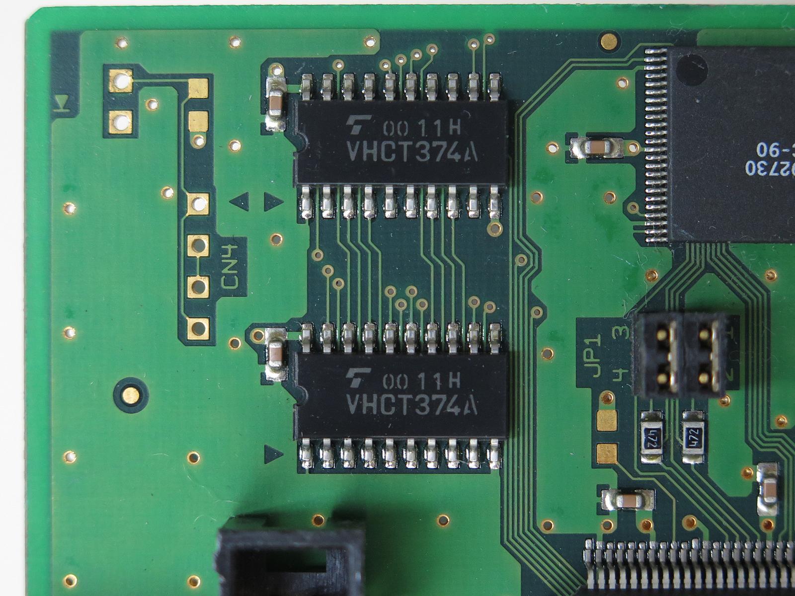 東芝のフリップフロップ回路「VHCT374A」(写真はSC-UPCI-5BSより)