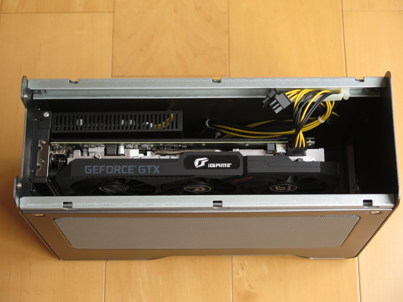 ColorfulのGeForce GTX 1660を搭載したところ。余裕で入る