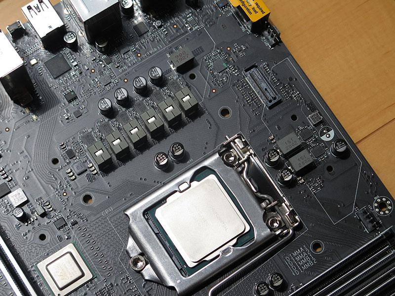 CPUのVRM電源回路部