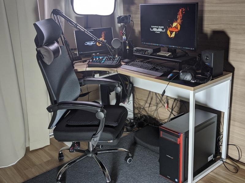 自宅での仕事とゲーム環境を1台のデスクトップにまとめた