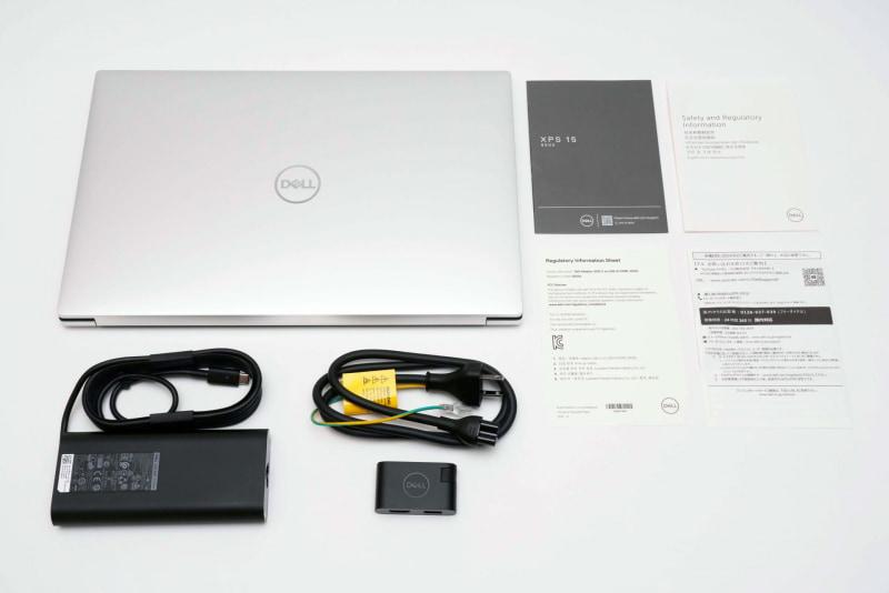 本体、ACアダプタ、電源ケーブル、「Dell Adapter USB-C to USB-A/HDMI-DA20」、説明書(クイックスタートガイド、安全および認可機関に関する情報、Regulatory Information Sheet、デル お問い合わせ窓口のご案内)が同梱されている