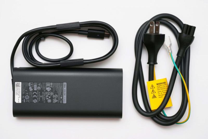 ACアダプタのコード長は実測約175cm、電源ケーブルの長さは実測約90cm