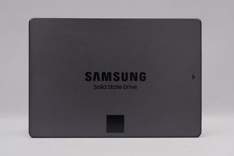 870 QVOはメインストリーム向けSSD新モデルで、4bit MLC V-NAND採用SSDとしては2世代目となる
