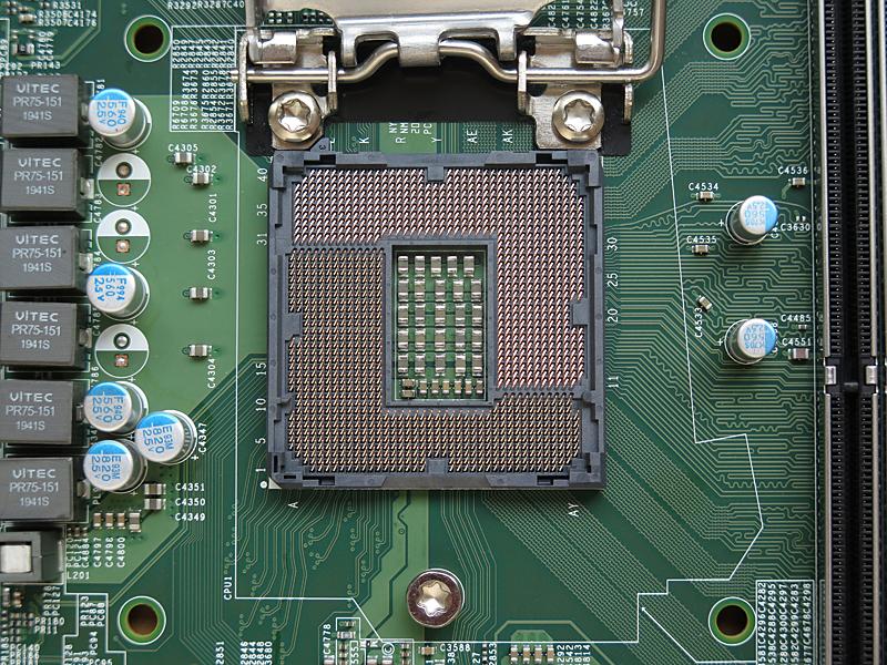 CPUソケット周りの配線