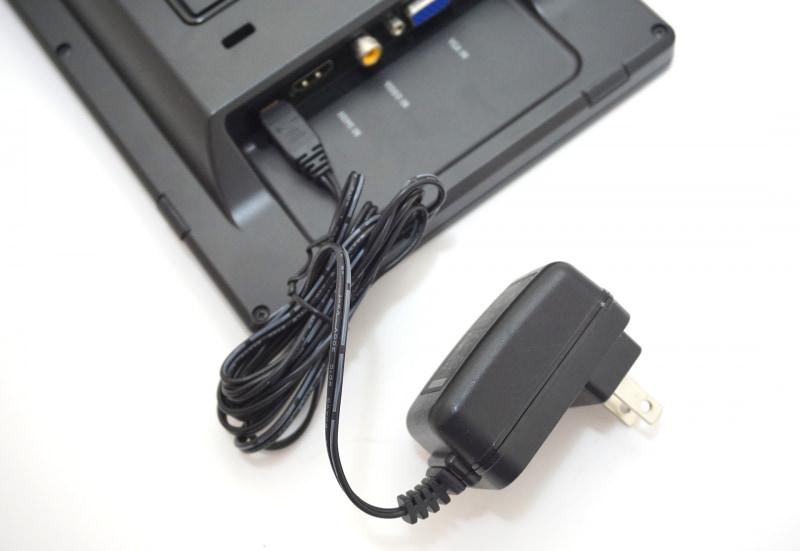 LCD-10169VHでは必ず電源ケーブルを接続しなければならない