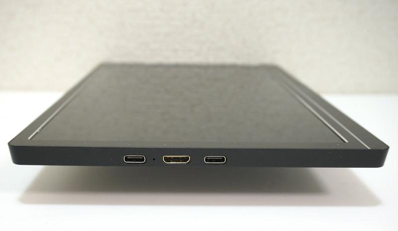 インターフェイスはType-Cが2基、Mini HDMIが1基の構成