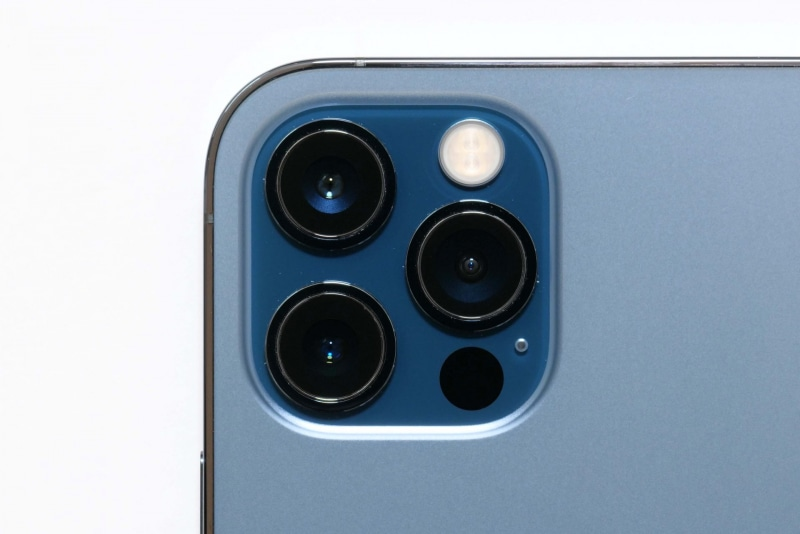 カメラ部には、「True Toneフラッシュ」、「LiDARスキャナ」、「マイク」が内蔵