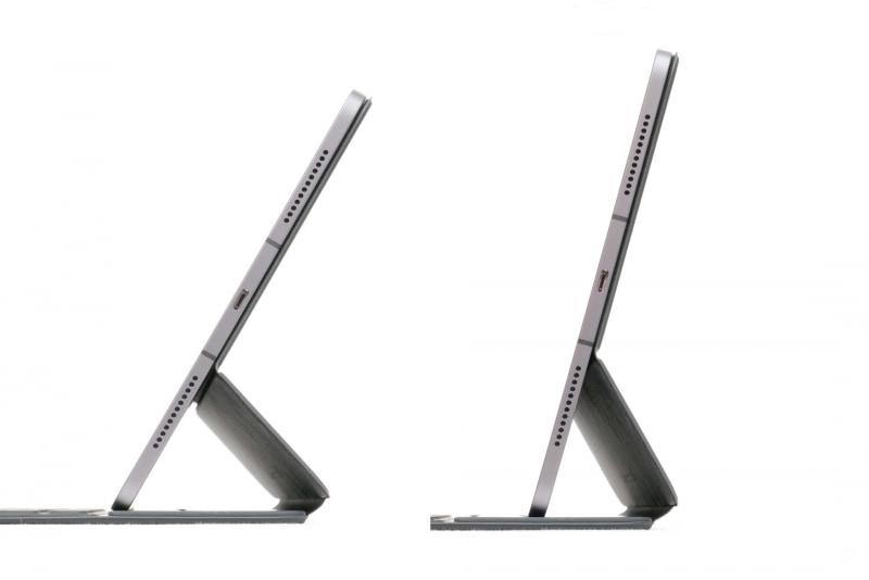 ディスプレイ面の展開角度は123度と110度の2段階に調節可能