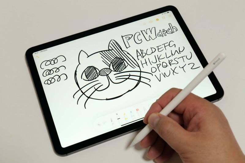 Apple Pencil(第2世代)のペン先は比較的硬め。書き味を変更するための「ペーパーライクフィルム」や、ペン先が他社から販売されている。筆者はペーパーライクフィルムを愛用している