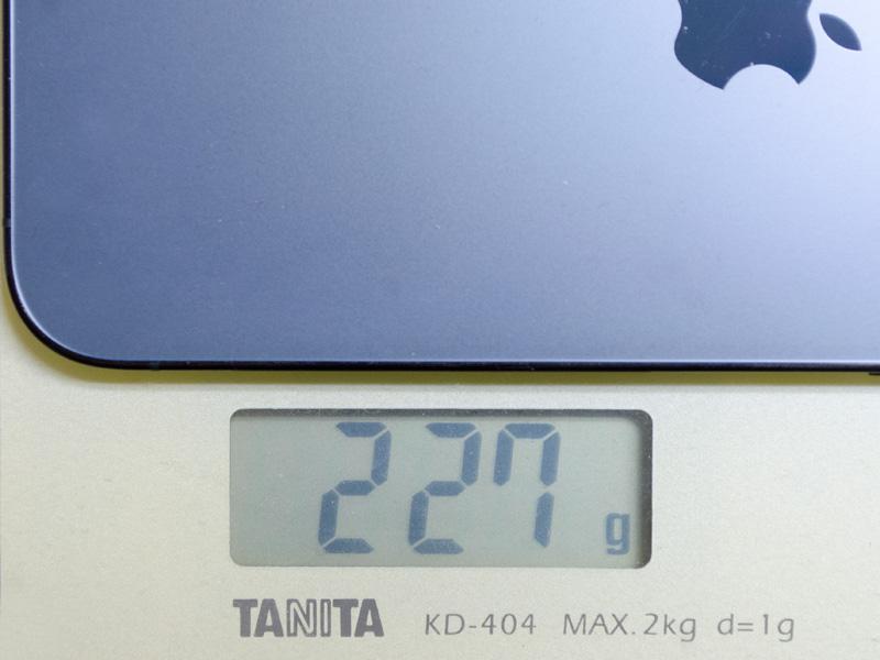 重量。実測で227g