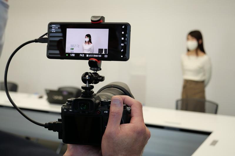 撮影時には、このようにXperia PROをライブビューモニターとして活用できる